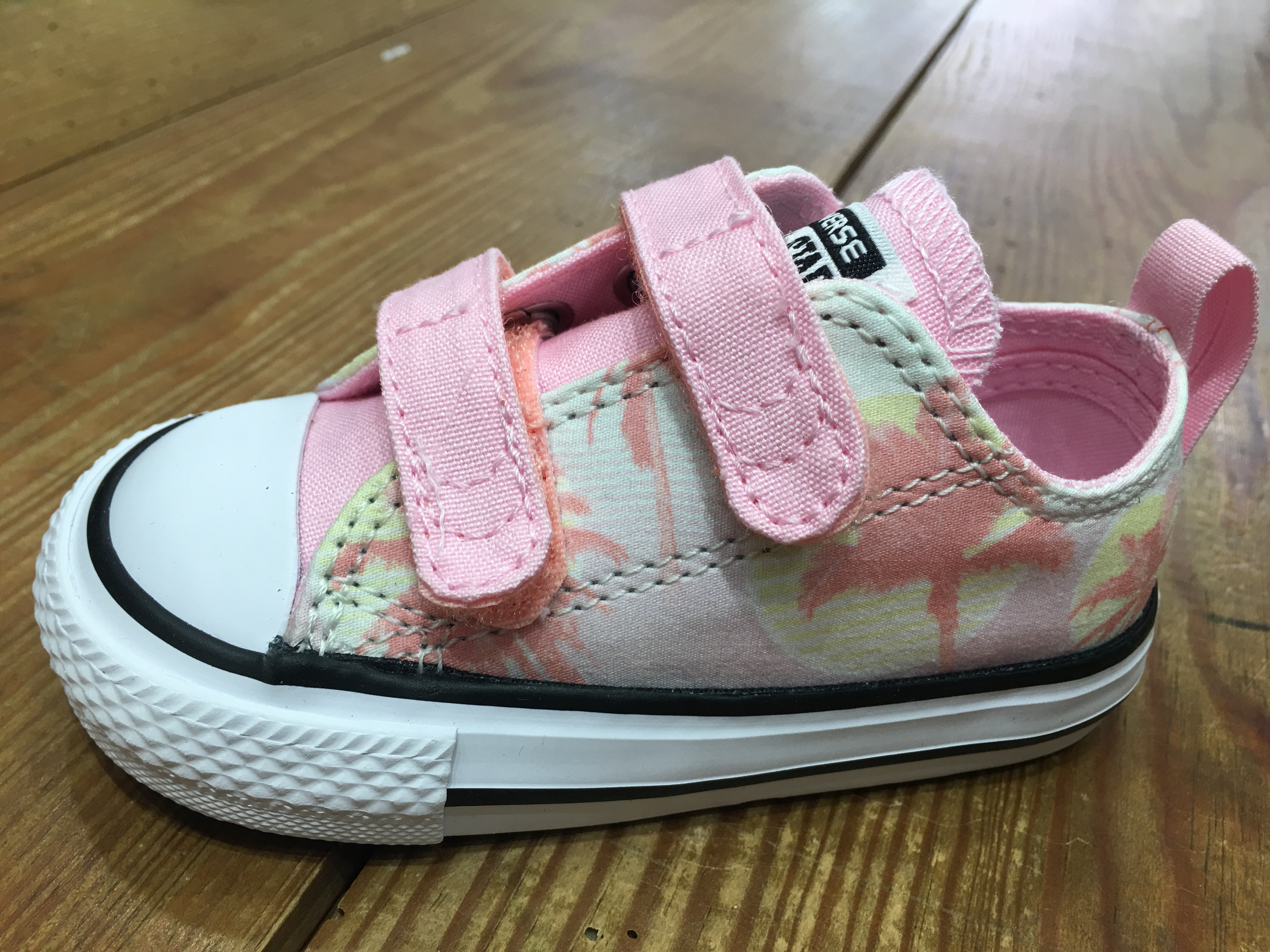 9c6ddfce32faaa Converse Toulouse - Magasin Chaussures Enfants - Dix Doigts Deux Pieds